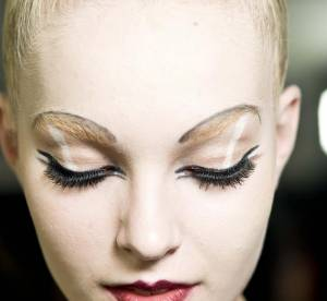 Dr Beauté : Comment s'appliquer de l'eyeliner sans bavure