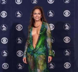 Jennifer Lopez : la sexy attitude en 10 tenues