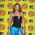 Quand les MTV Europe Music Awards se déplacent en Allemagne en 2001, Kylie s'inspire du Dirndl, costume traditionnel bavarois et porte une bustier à lanière. Y ajoutant sa patte, elle opte pour un pantalon de skaï bleu clair très ostentatoire.
