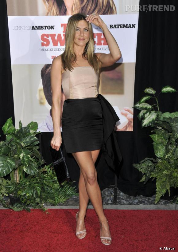 Pour l'occasion, l'actrice choisit une robe Lanvin à la coupe moderne et sophistiquée.
