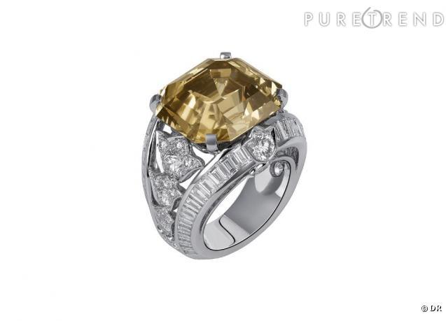 Cartier Bague en platine, 1 diamant brun taille émeraude de 24,31 ...