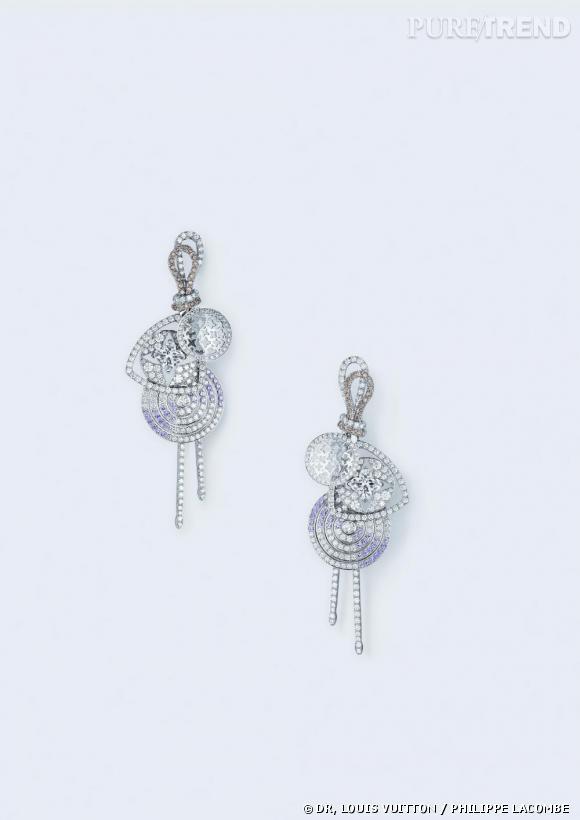 """Louis Vuitton      Pendants d'oreilles """"Rock"""" en or blanc, diamants brun et blanc et saphir rose."""
