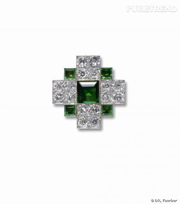Collection Faerber       Pendant antique émeraude et diamant monté sur or 18 carats. Pièce datée vers 1900.