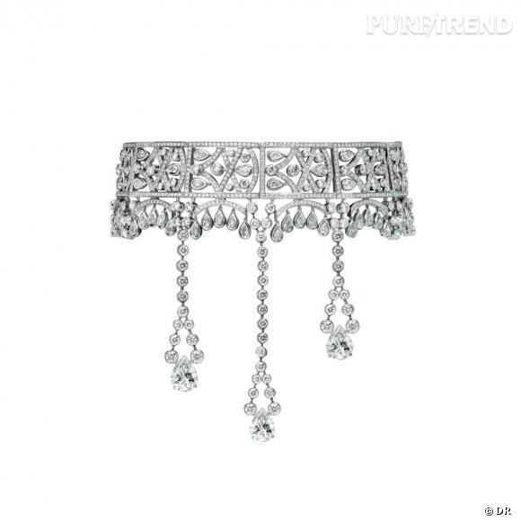 Piaget       Collier en or blanc 18 carats serti de 1095 diamants taille brillant (env. 28.15 cts), 48 diamants taille poire (env. 6.72 cts) and 3 diamants de centre taille poire (env. 8.60 cts)