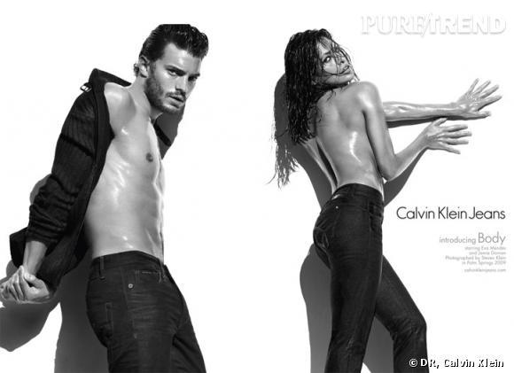 Campagne Automne-Hiver 2009-2010 de Calvin Klein shootée par Steven Meisel. Des clichés ultra sensuels dans lesquels on découvre une Eva Mendes plus sexy que jamais.