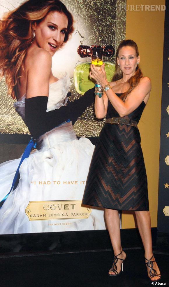 Sarah Jessica Parker use de la notoriété de son personnage de Sex and the City pour élaboré de nouveaux parfums.
