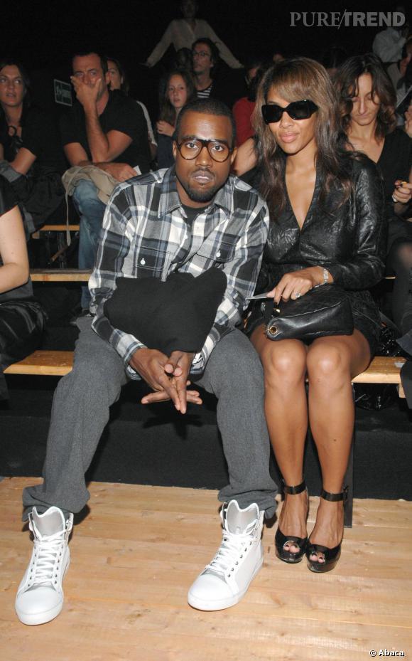 Bête de mode, Kanye est un fidèle du premier rang, comme ici chez Isabel Marant en 2007.