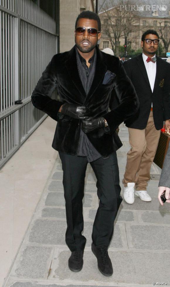 En 2009, Kanye opère un revival 80's et affiche une coupe mulet très vintage.