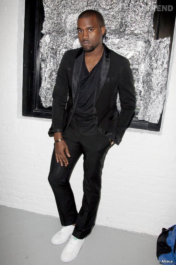 Pour cette Fashion Week new-yorkaise 2010, Kanye a calmé ses élans d'excentricité et opté pour des looks plus sobre.