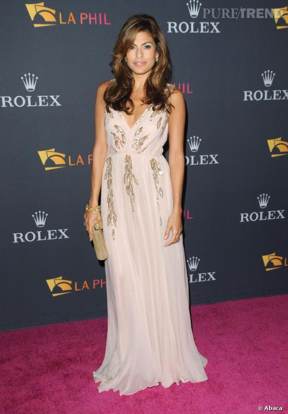 Eva Mendes au Gala du Philharmonique de Los Angeles.