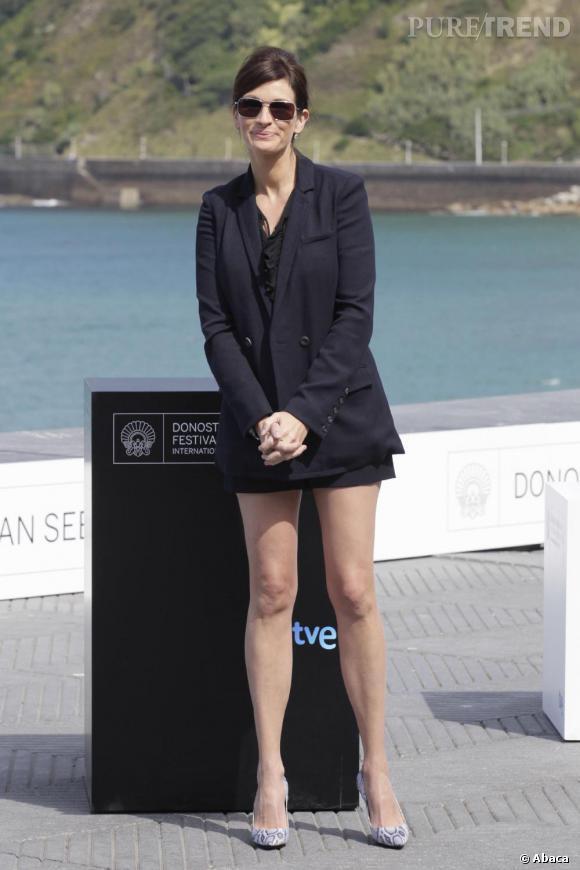 Comme Julia Roberts , on mixe veste de blazer et longueur mini.