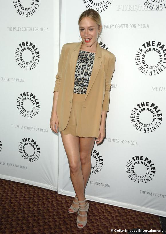 Comme Chloë Sevigny , on adopte le blazer couleur pastel.