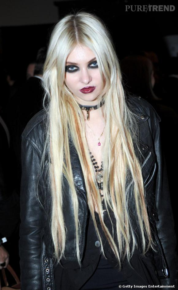 Le look gothique trash de Taylor Momsen fera peut-être d'elle la future muse de Marylin Monson...
