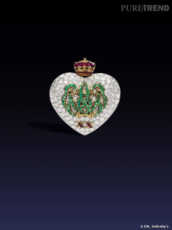 Broche pour l'anniversaire des 20 ans de mariage du Duc et la Duchesse de Windsor, émeraudes, rubis et diamants. Cartier, 1957.