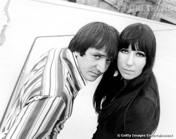 """En 1966, moitié discrète de Sonny & Cher, la chanteuse  présente pourtant un second album solo. Après """" All I Really Want To Do """", Cher frappe fort avec la chanson """" Bang Bang """", les airs tristes de la belle prennent tout leur sens."""