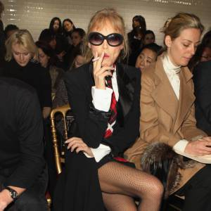 Arielle Dombasle, une excentrique chez Gaultier.