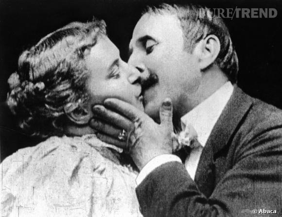 """Premier baiser de l'histoire du Cinéma, celui de May Irwin et John C. Rice dans """"The Kiss"""" de William Heise, film de 1896 qui dure moins d'une minute. Une première qui fit scandale."""