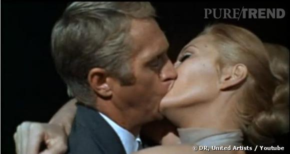 """Baiser filmé à 360° durant plus d'un minute dans  """"L'Affaire Thomas Crown"""". Steve McQueen et Faye Dunaway offrent en 1968 un échange des plus sulfureux."""