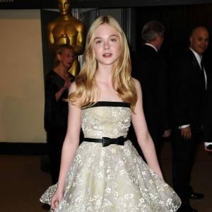 Casting Puretrend : candide blondinette à la peau translucide, Elle Fanning semble une Alice rêvée.