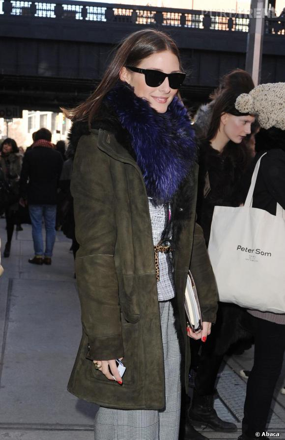 Olivia Palermo en plein marathon front rows pour la Mercedes Benz Fashion Week, à New-York.