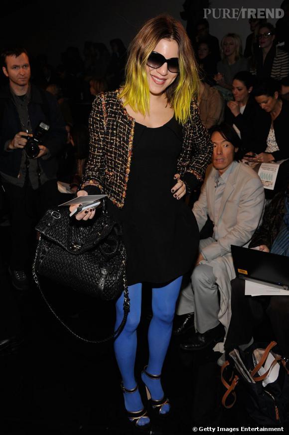 Un look color block jusqu'aux cheveux, pour Dani Stahl de  Nylon  chez Ralph Lauren Collection.