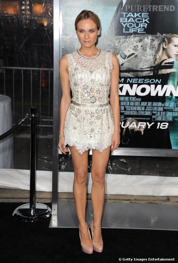 Une silhouette toute en subtilité pour Diane Kruger, en Dolce & Gabbana printemps-été 2011.