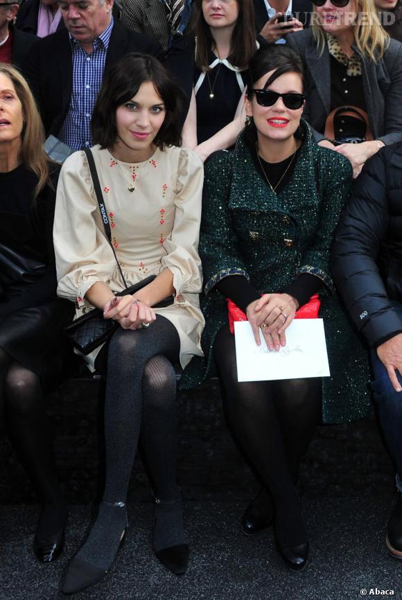 Alexa Chung et Lily Allen, un joli duo au premier rang Chanel.