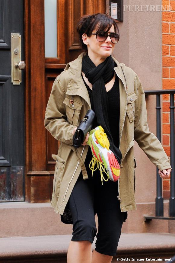 Sandra Bullock en balade dans les rues de New York.
