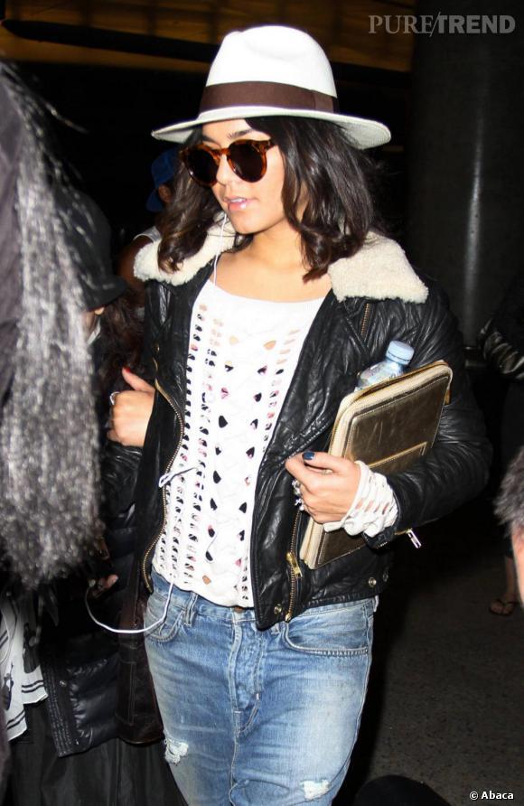 Vanessa Hudgens à l'aéroport de Los Angeles.