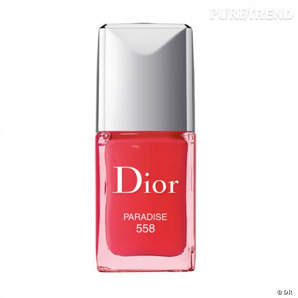 """Les vernis de l'été 2011       Paradise de Dior          Dior nous invite à une nouvelle escale dans les tropiques. Les tentations vernis de cet été répondent au doux noms de """"Paradise""""ou """"Aloha"""". Un corail acidulé à adopter d'urgence !     Prix :     28, 70 euros"""