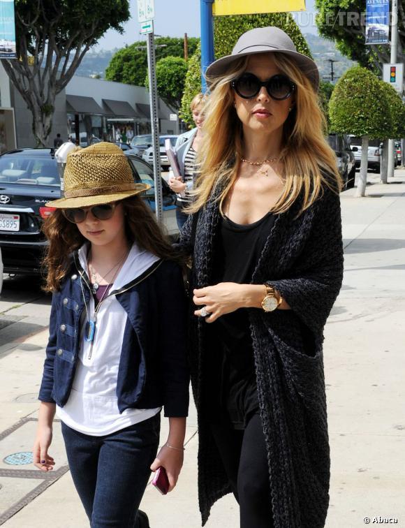 Rachel Zoe en pleine séance shopping dans les rues de Los Angeles.