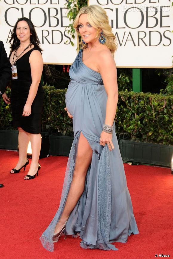 L'actrice Jane Krakowski aux Golden Globes : elle opte tout de même pour une robe fendue.