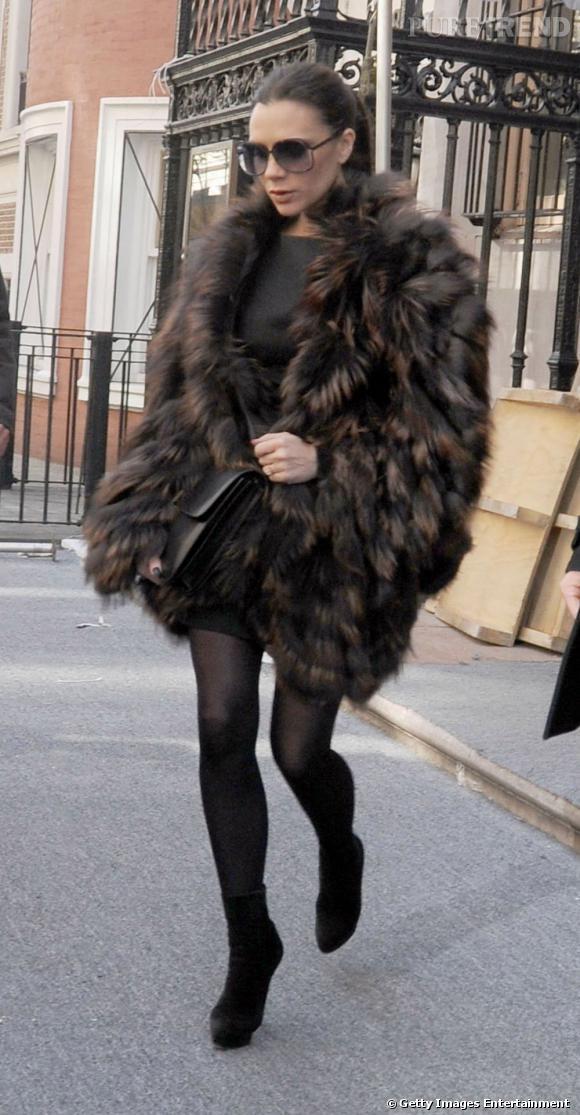 Victoria Beckham cache bien ses rondeurs mais vient elle aussi de rejoindre le club des futures mamans.