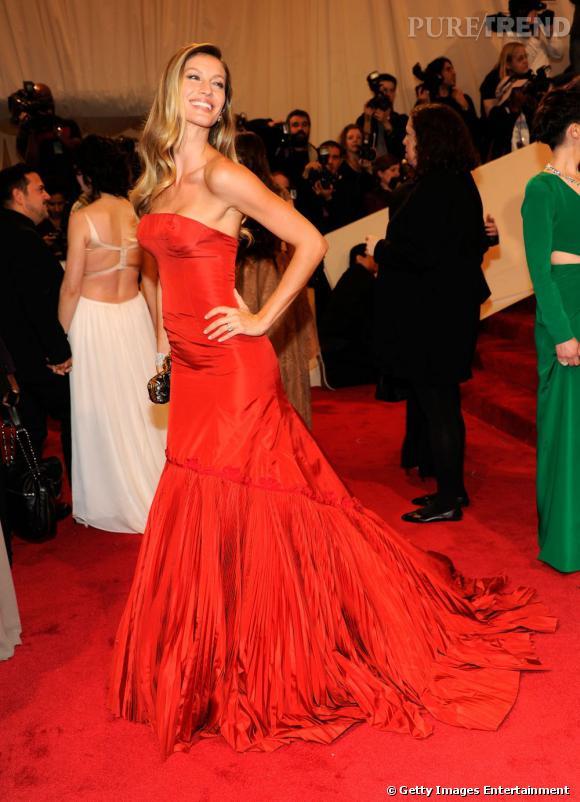 1- Gisèle Bündchen, gagnante du classement Forbes sur les manequins les mieux payées en 2010. Brésilienne 30 millions d'euros.