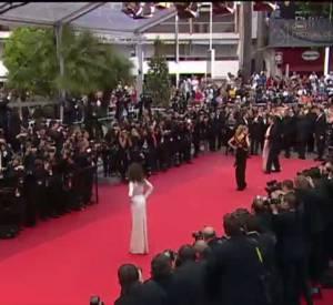 La montée des marches du festival de Cannes de Milla Jovovich, Doutzen Kroe et Laetitia Casta.