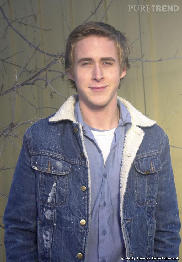 Années 2000, le jeune homme a 20 ans et côté look il est en perdition avec un goût prononcé pour les superpositions.