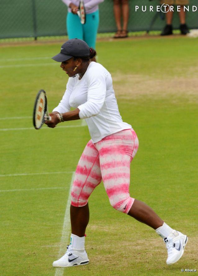 Serena Williams en pleine séance d'entrainement avant Wimbledon, à Londres.