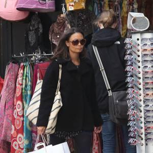 Thandie Newton dépense tout son argent chez Aimé.