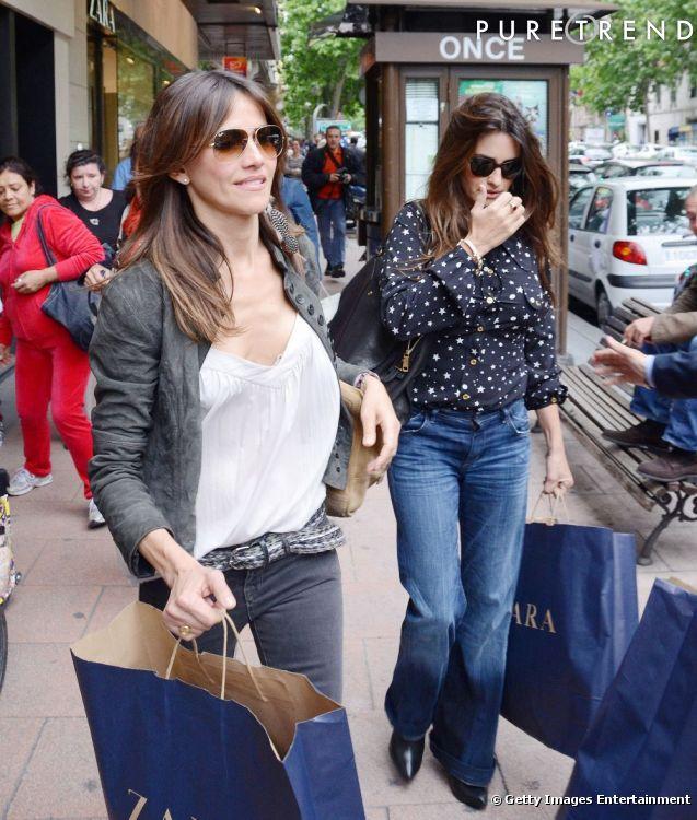 Penelope Cruz fait une descente chez Zara.