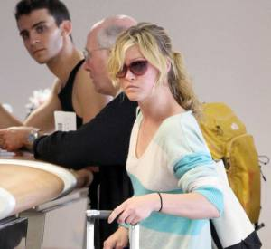 Julia Stiles à l'aéroport de Los Angeles.