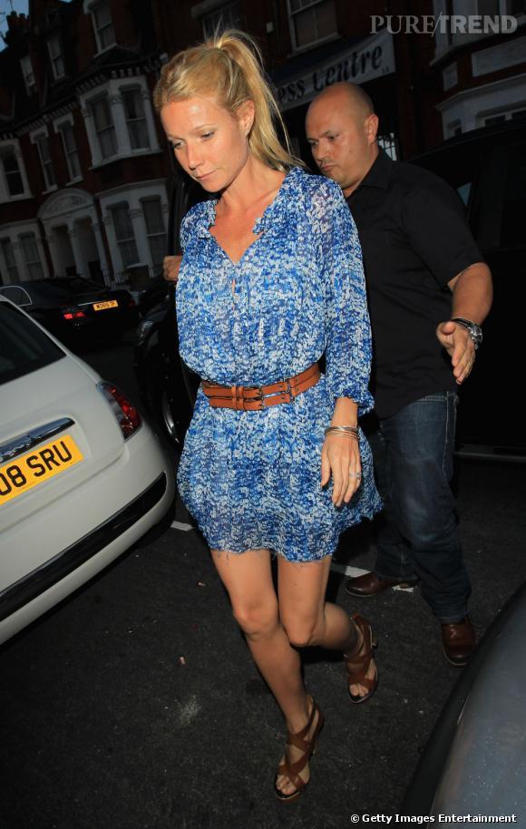 La jolie Gwyneth Paltrow, teint hâlé et robe liberty est des plus tendances pour assister à la sortie du nouvel album de Beyoncé.