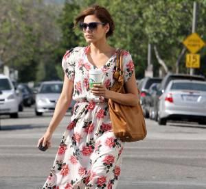 Comme Eva Mendes, osons les maxi fleurs