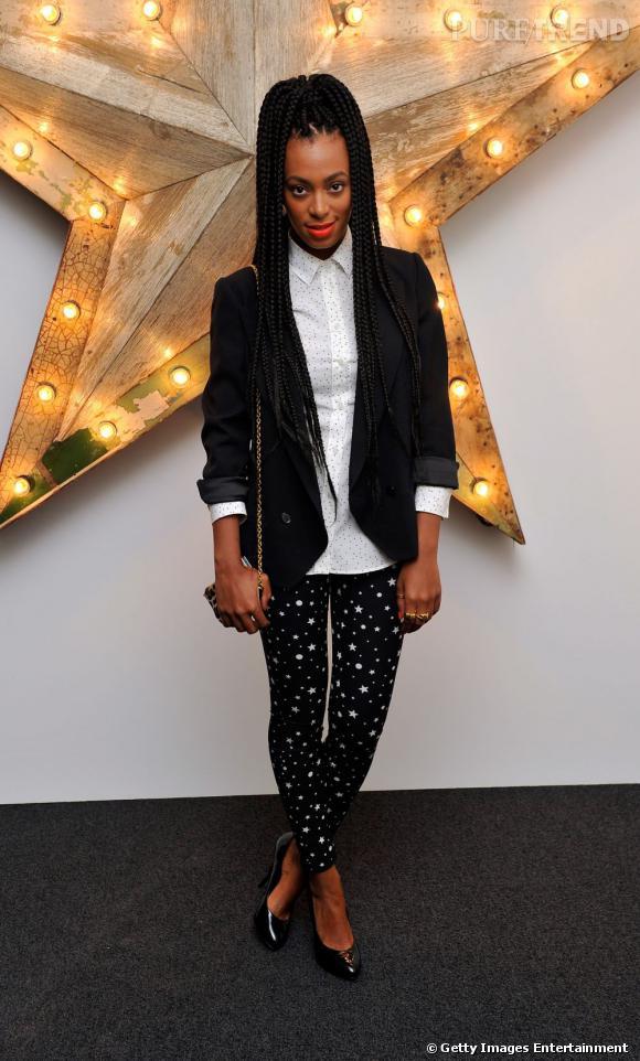Solange Knowles, chic en pantalon Dolce & Gabbana pour la soirée Net-à-Porter.