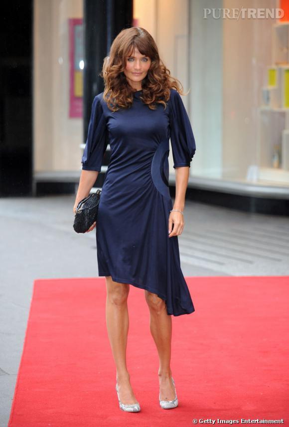 Helena Christensen, une quadra sexy sur le red carpet de Triumph, à Londres.