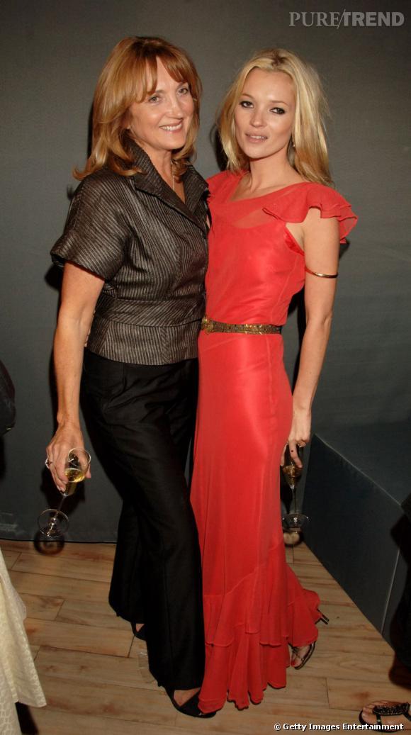 La star : Kate Moss Linda Moss, aussi stylée que sa fille ? Ca reste à prouver. Parce que la barre est haute. Très, très haute. Mais visiblement non, Linda n'est pas aussi stylée que sa progéniture.
