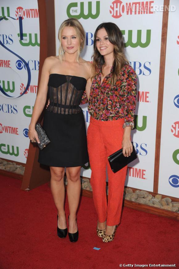 Rachel Bilson et Kristen Bell s'imposent comme les stars de la soirées. Rachel mise sur une tenue signée Erdem croisière 2012 tandis que Kristen craque pour la maison Versus.