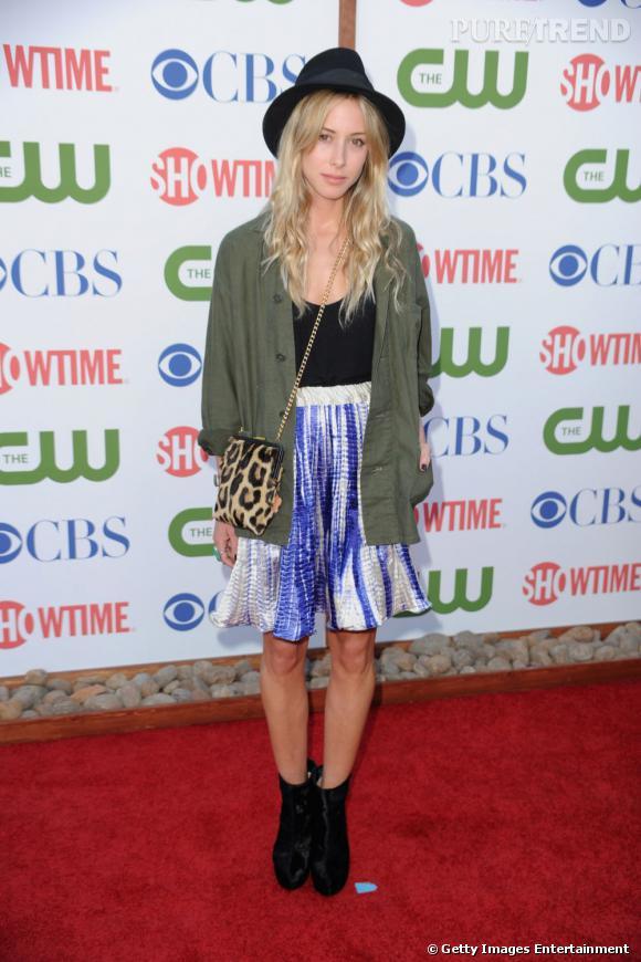 Gillian Zinser de 90210 s'impose comme la pépite mode et underground de la soirée.