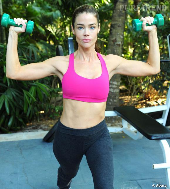 Denise Richards nous offre une petite séance de gym au Canada.
