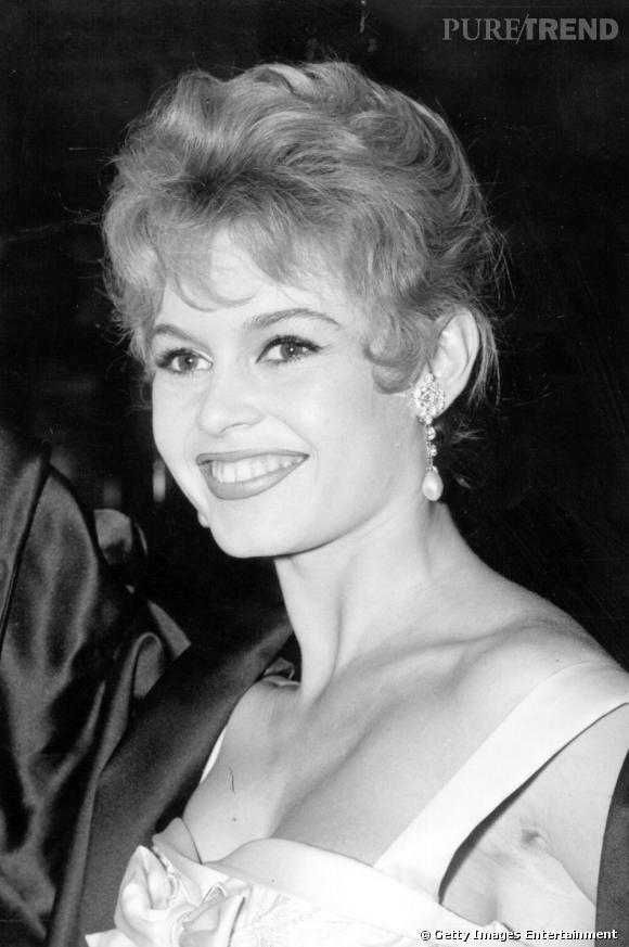 Les parfums des stars       Nom :   Brigitte Bardot         Parfum :   Vent Vert by Balmain