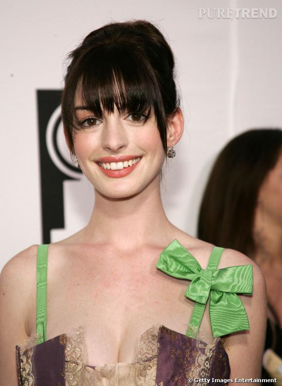 Les parfums des stars       Nom : Anne Hathaway       Parfum :   Chance de Chanel